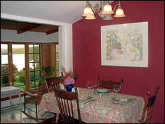 willow dining room | Cabins On The Point: Willow Cottage